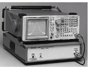 2711 - Tektronix Spectrum Analyzers