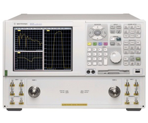 N5230A (Option 420/425) - Keysight / Agilent Network Analyzers