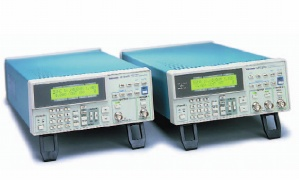 AWG320 - Tektronix Arbitrary Waveform Generators