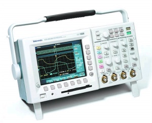 TDS3052B - Tektronix Digital Oscilloscopes