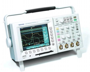 TDS3054B - Tektronix Digital Oscilloscopes