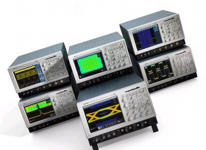 TDS7104 - Tektronix Digital Oscilloscopes