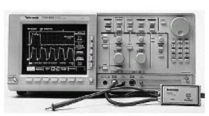 TDS820 - Tektronix Digital Oscilloscopes