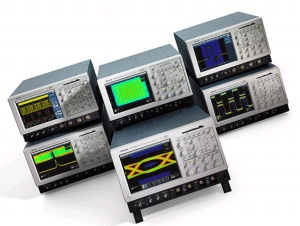 TDS7404B - Tektronix Digital Oscilloscopes