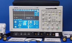 TDS7254 - Tektronix Digital Oscilloscopes
