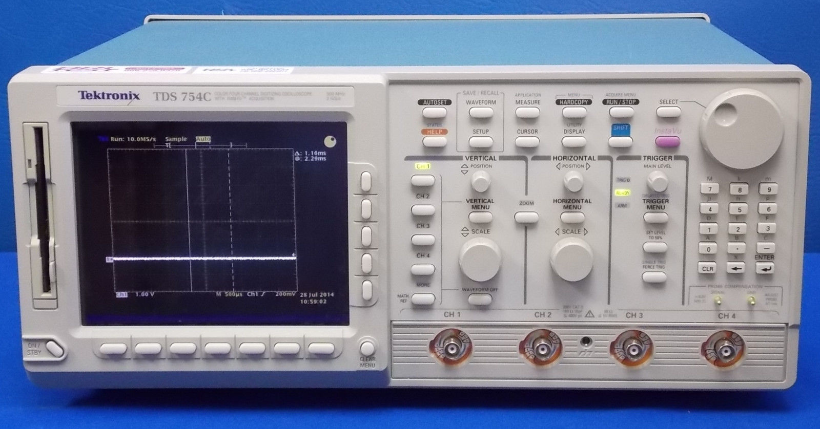TDS754C - Tektronix Digital Oscilloscopes